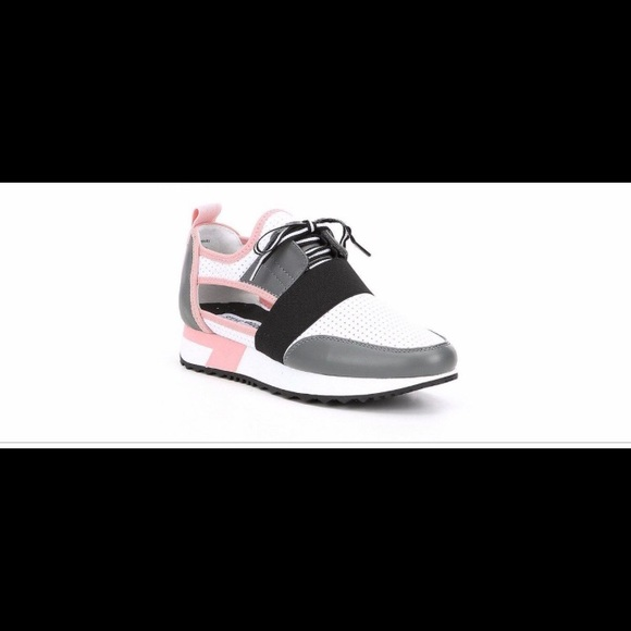 b7e4b701346 Steve Madden Grey Arctic Cutout Sneakers Size 8